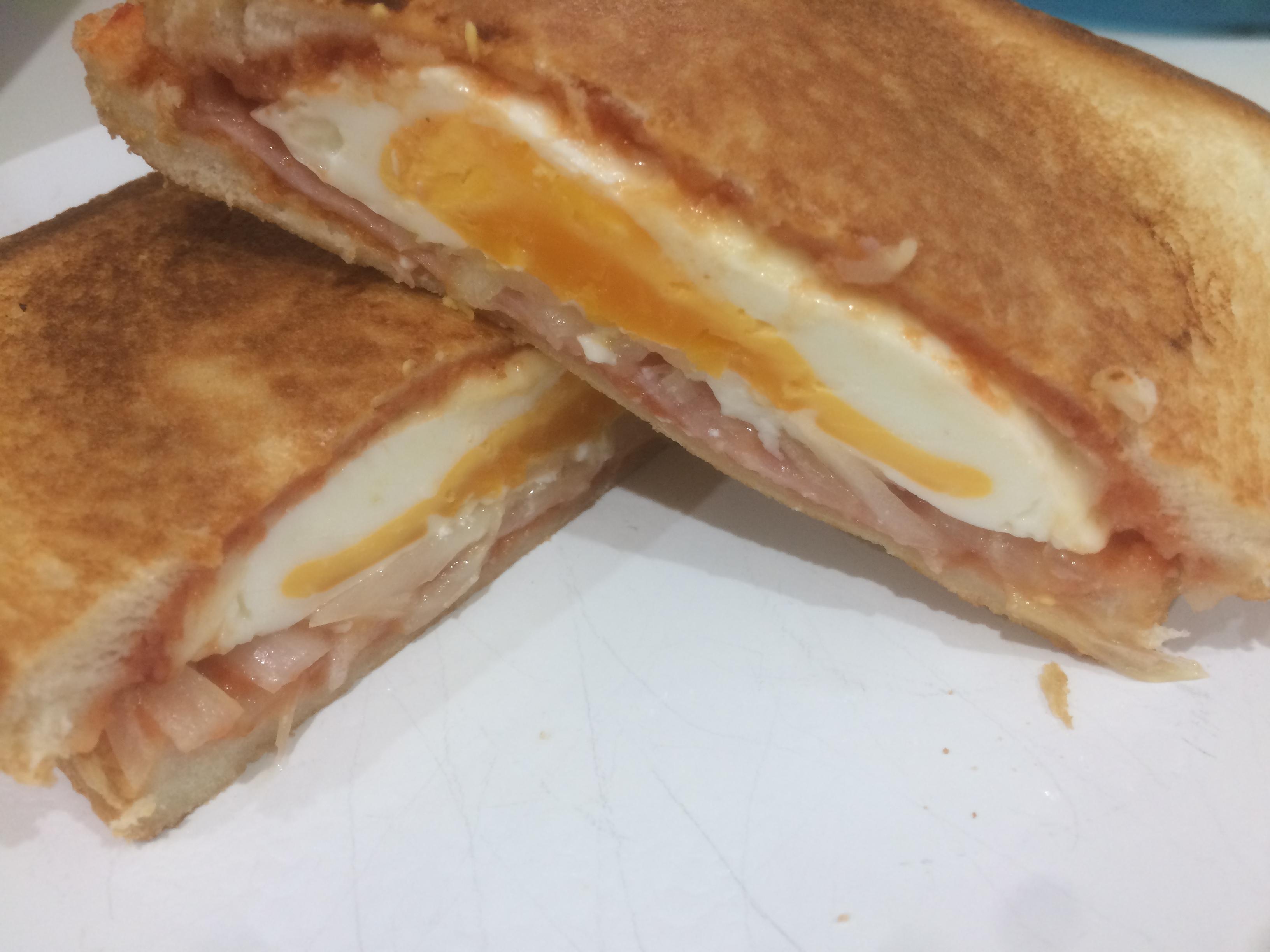 レシピ ホット サンド キャンプ メーカー